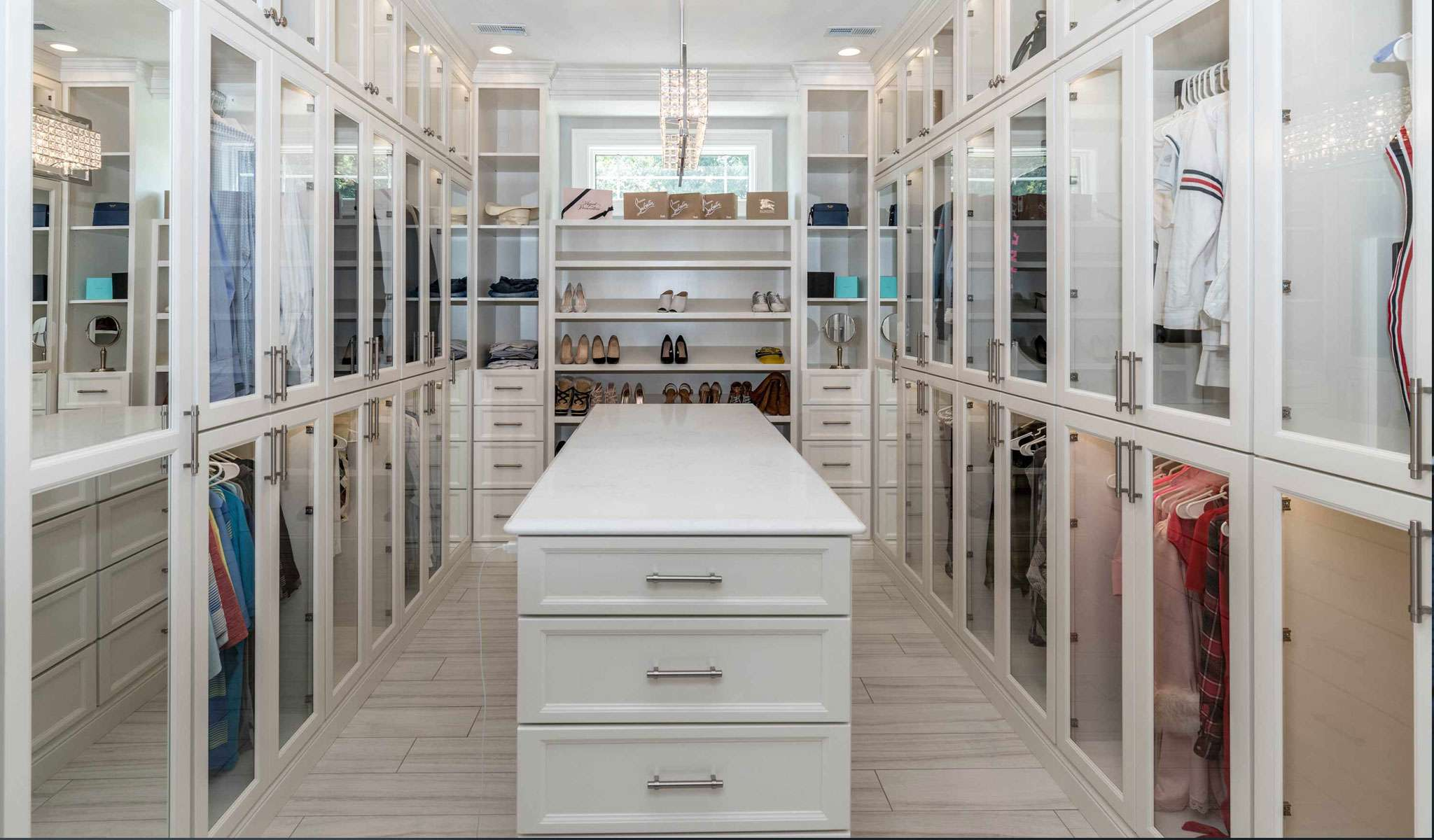 Walk-in Wardrobes - For Fashion Lovers and Planners alike